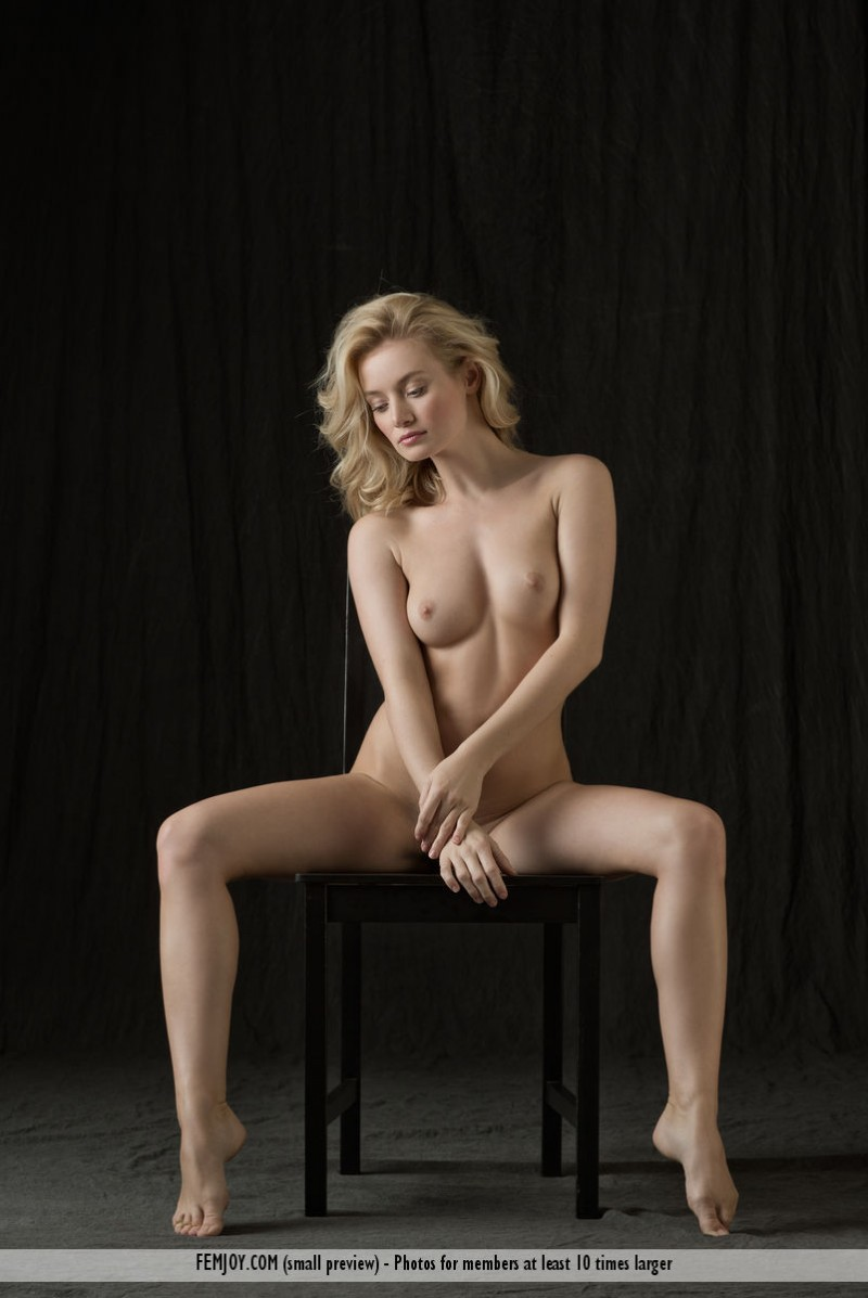 gabi-chair-nude-blond-femjoy-09