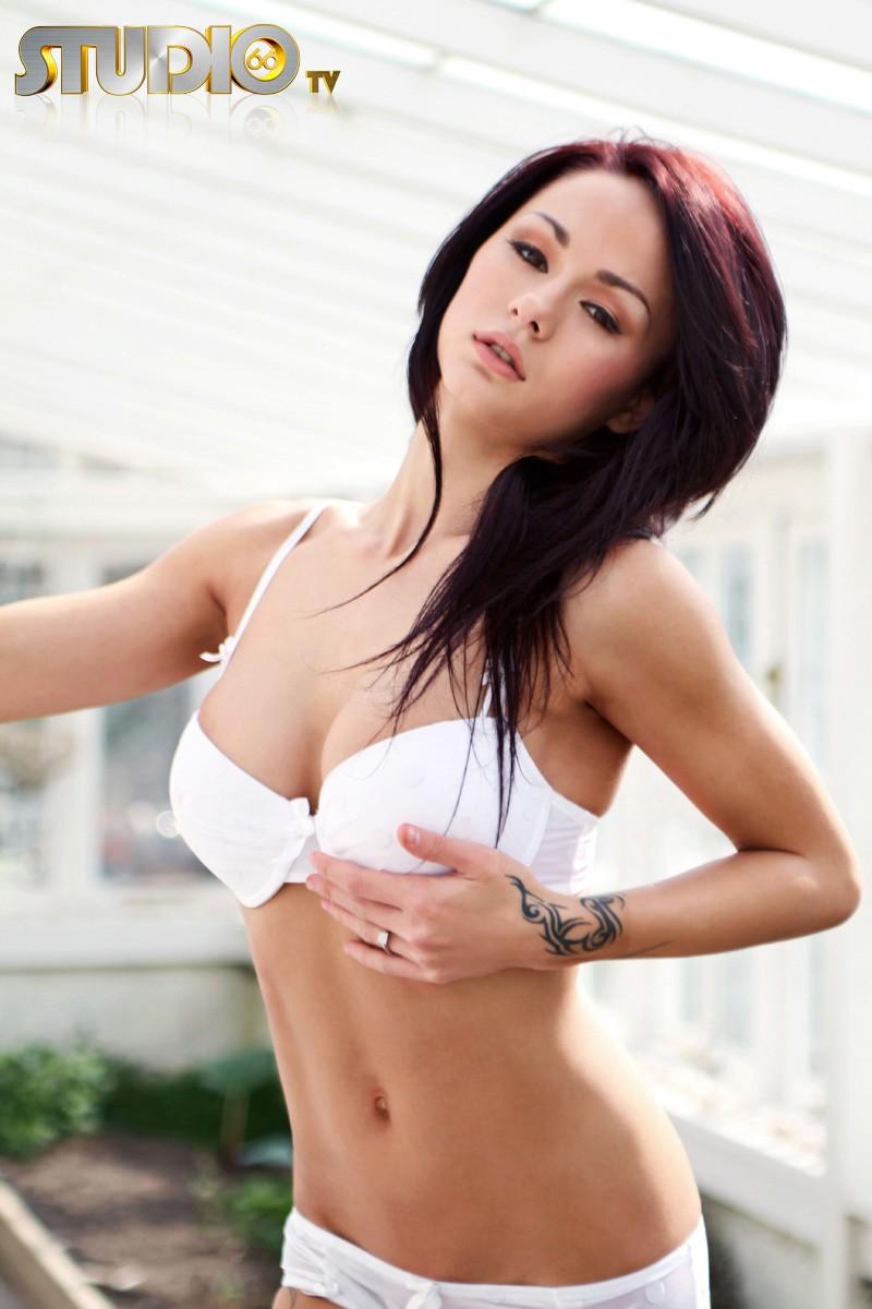 mica-martinez-white-lingerie-nude-04