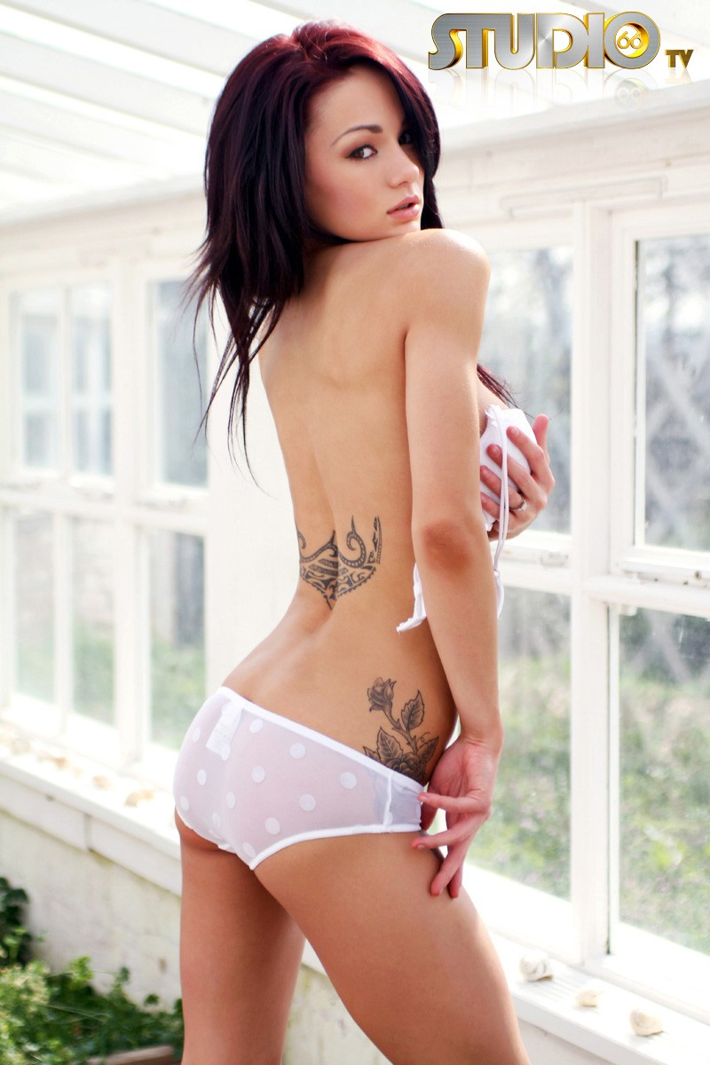 mica-martinez-white-lingerie-nude-09