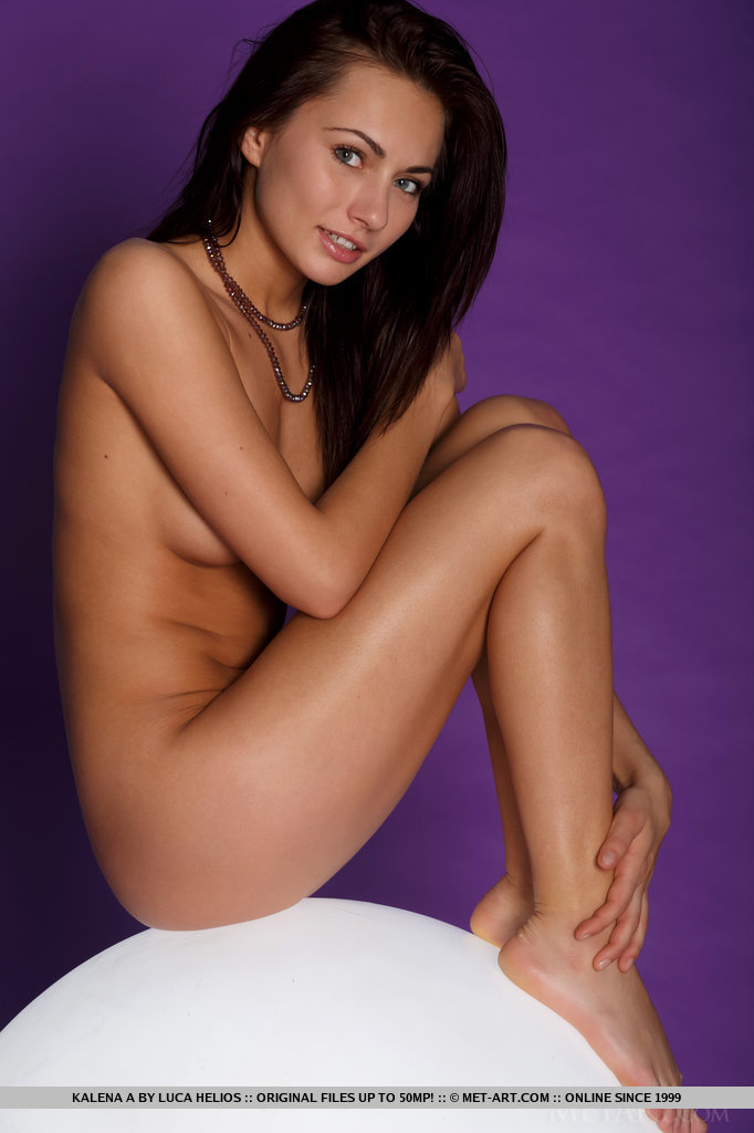 kalena-a-nude-light-ball-metart-16