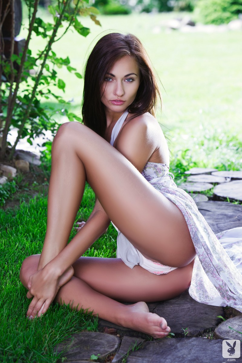 michaela-isizzu-green-grass-garden-nude-playboy-04