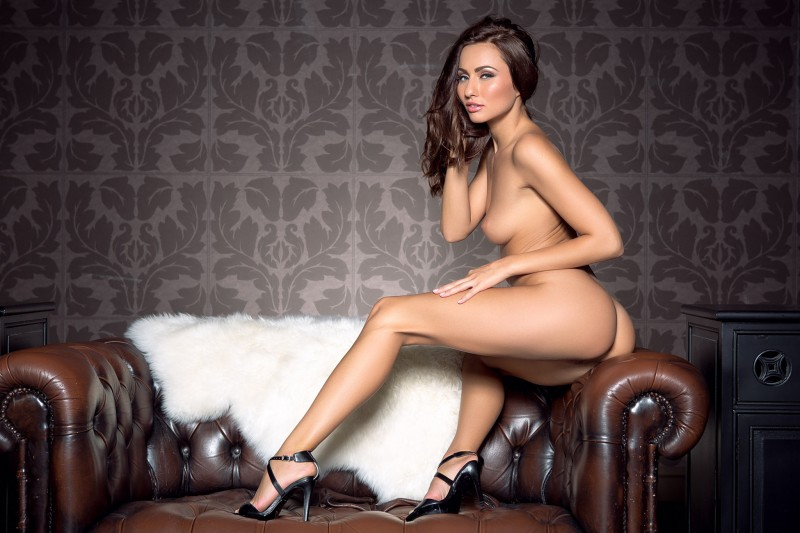 michaela-isizzu-leather-couch-playboy-18