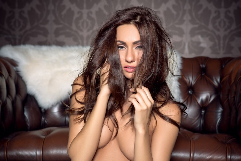 michaela-isizzu-leather-couch-playboy-24