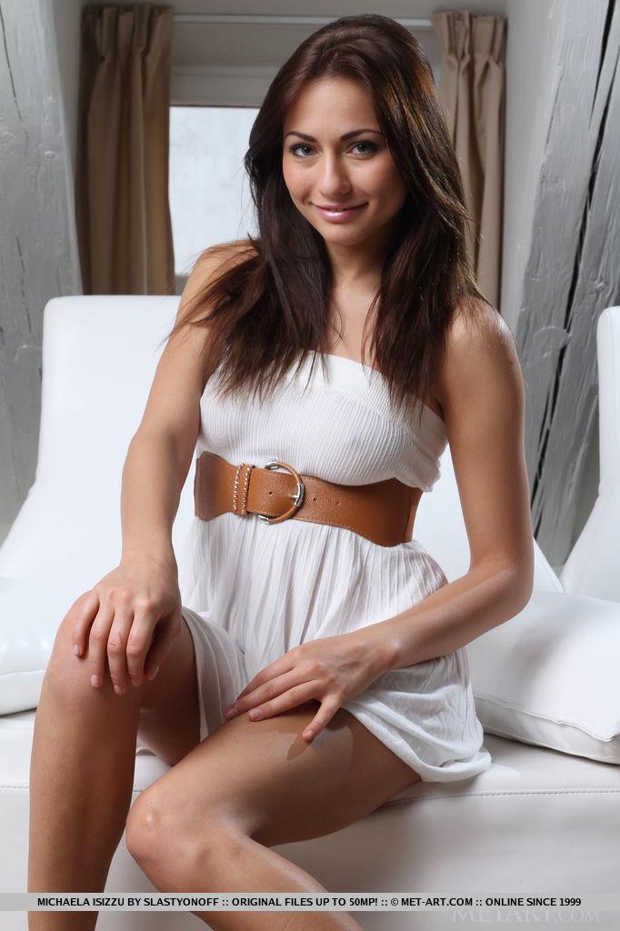 michaela-isizzu-white-dress-nude-metart-01