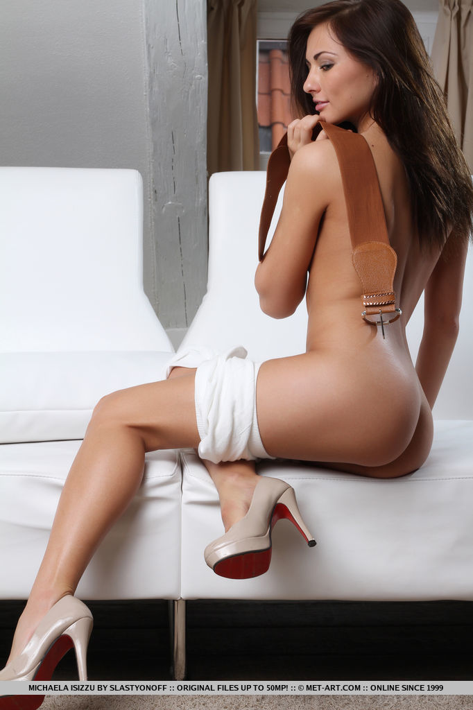 michaela-isizzu-white-dress-nude-metart-08