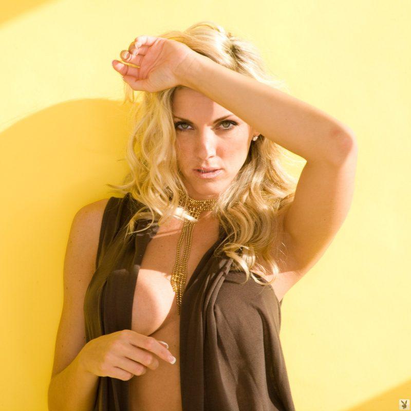 michele-marx-blonde-milf-boobs-playboy-01