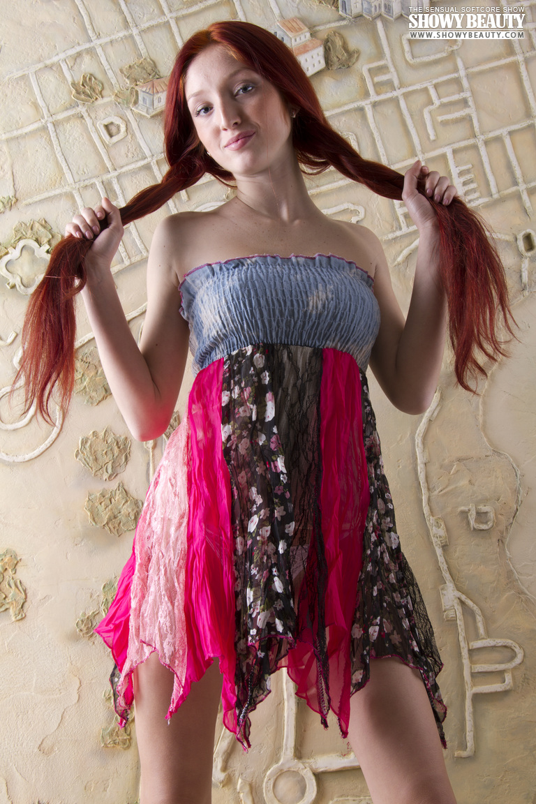 red-fox-redhead-long-hair-showy-beauty-02
