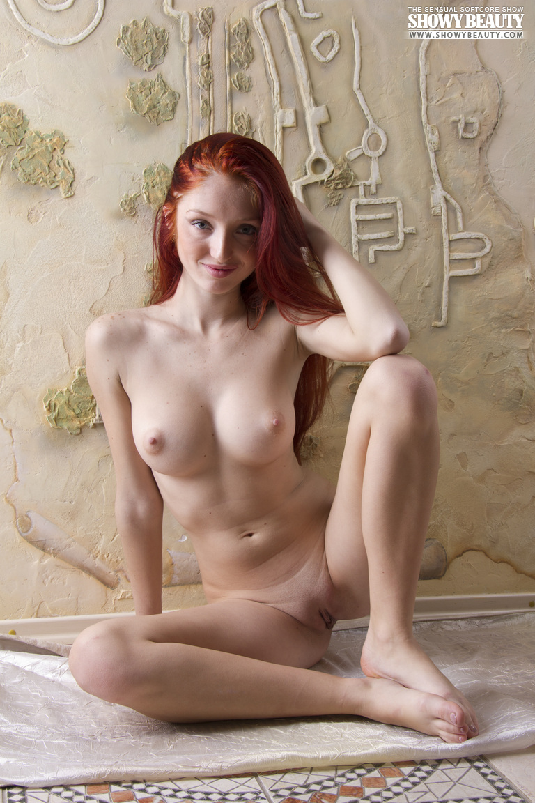 red-fox-redhead-long-hair-showy-beauty-19