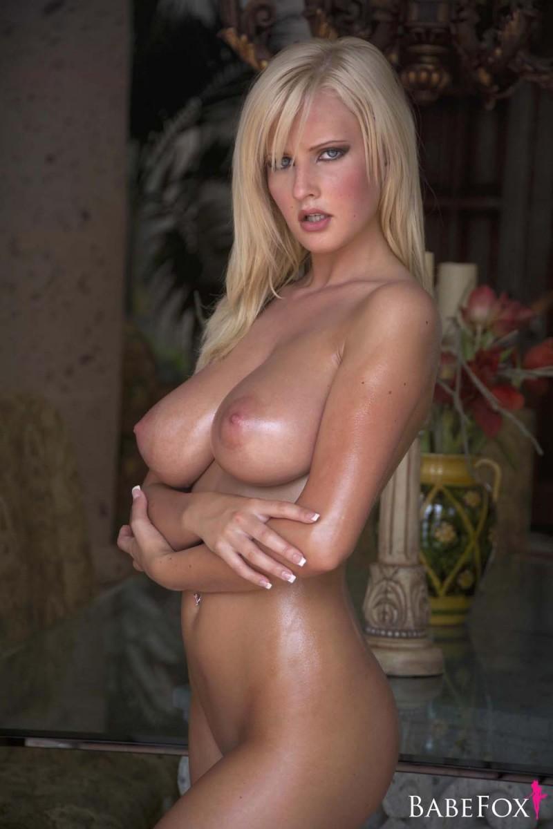 michelle-marsh-oiled-boobs-babefox-04