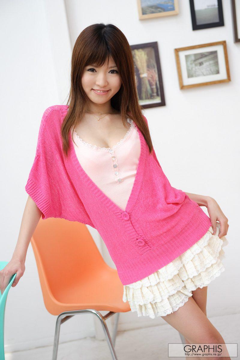 miho-imamura-pink-sweater-nude-graphis-07