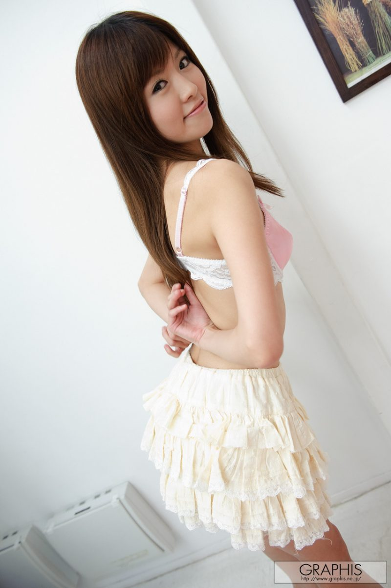 miho-imamura-pink-sweater-nude-graphis-11