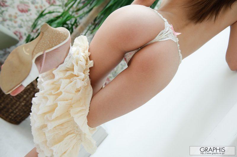miho-imamura-pink-sweater-nude-graphis-15