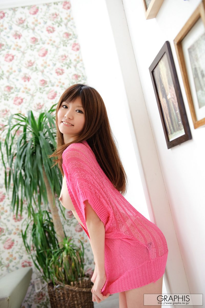 miho-imamura-pink-sweater-nude-graphis-16