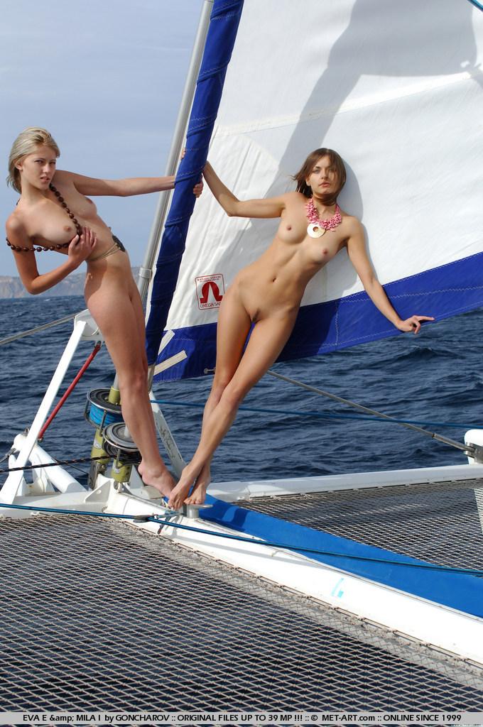 eva-e-&-mila-i-catamaran-nude-metart-08