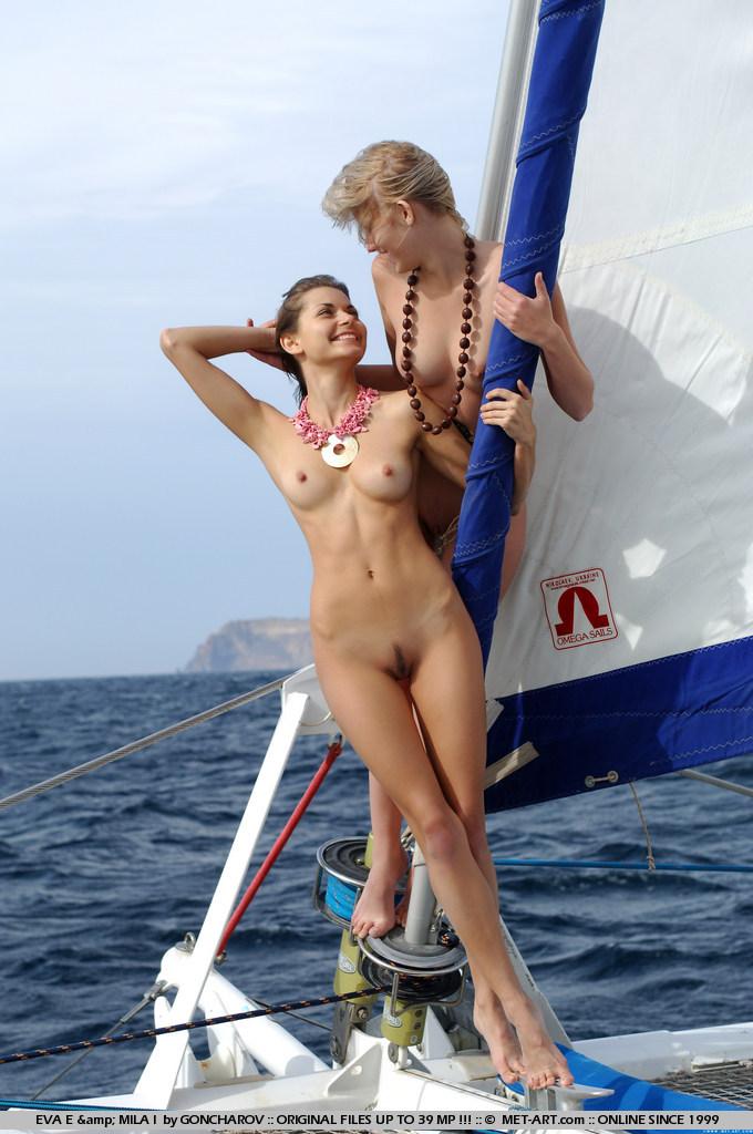 eva-e-&-mila-i-catamaran-nude-metart-10