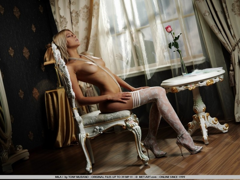 mila-i-white-stockings-met-art-01