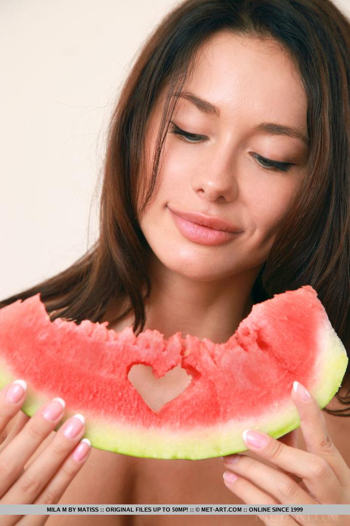 mila-m-watermelon-metart-01