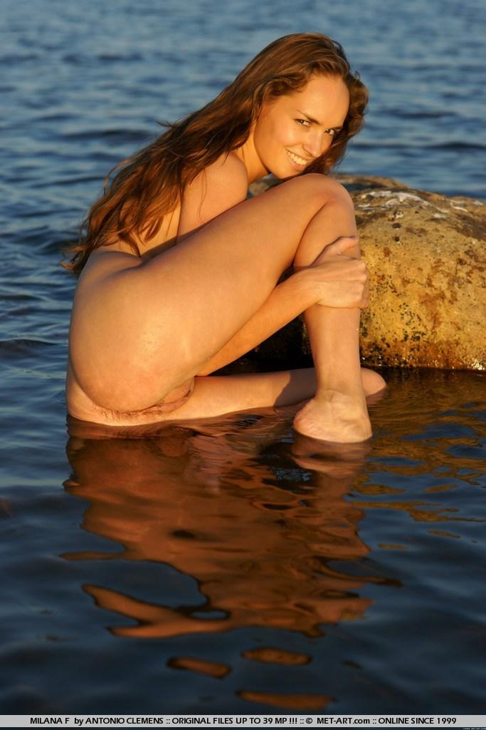 milana-f-lake-nude-metart-06