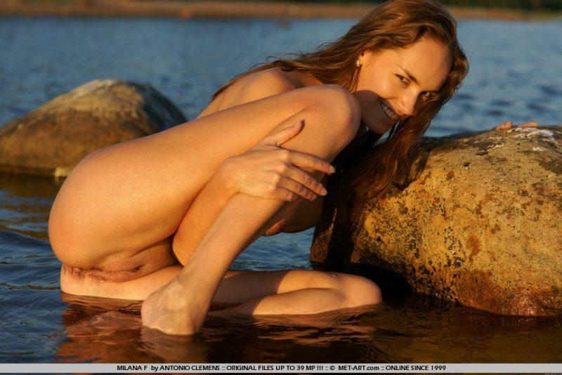 milana-f-lake-nude-metart-07