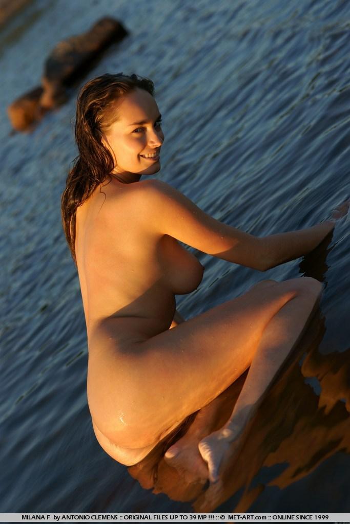 milana-f-lake-nude-metart-15