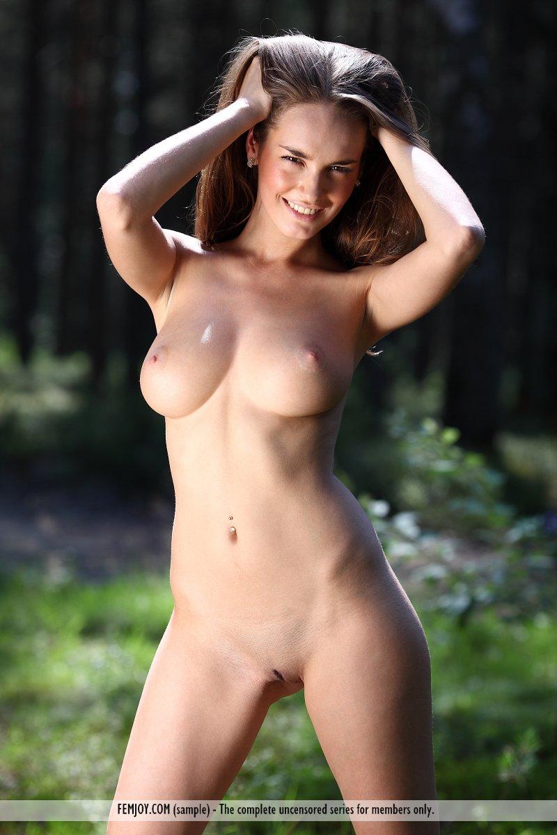 anabelle-nude-woods-femjoy-13