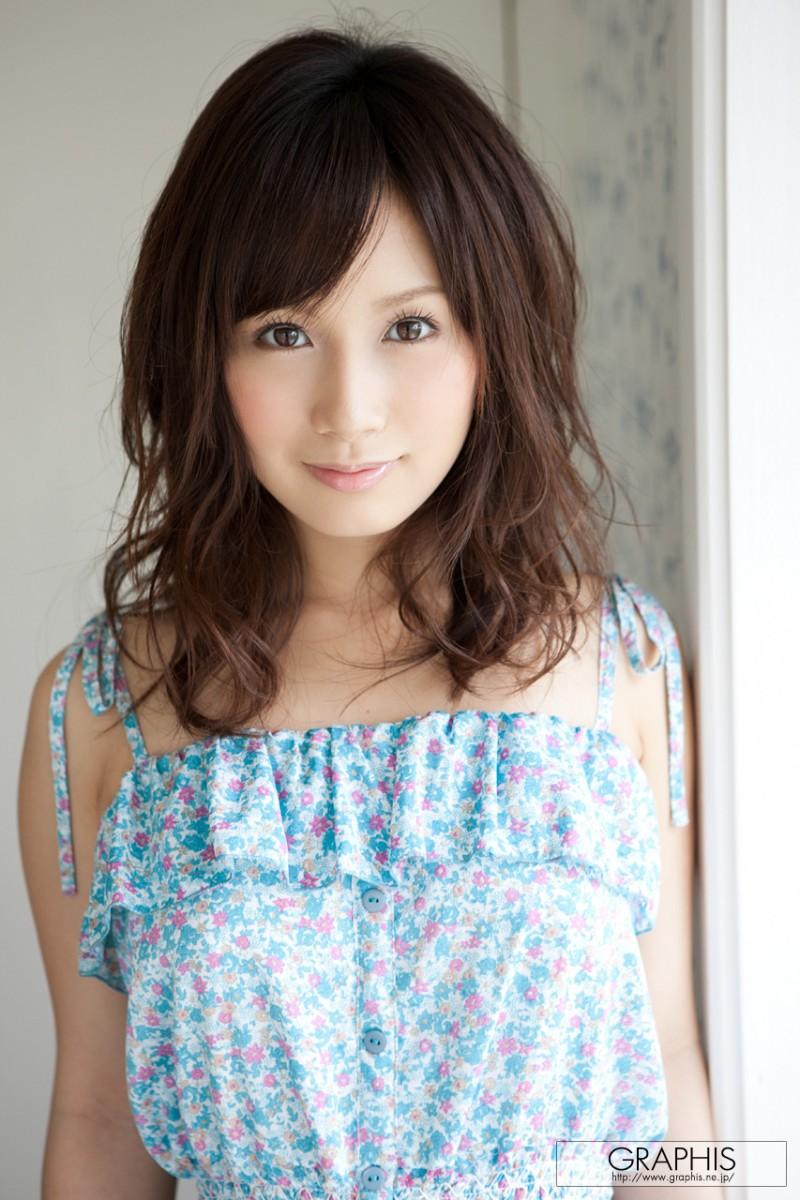 minami-kojima-nude-blue-dress-graphis-01