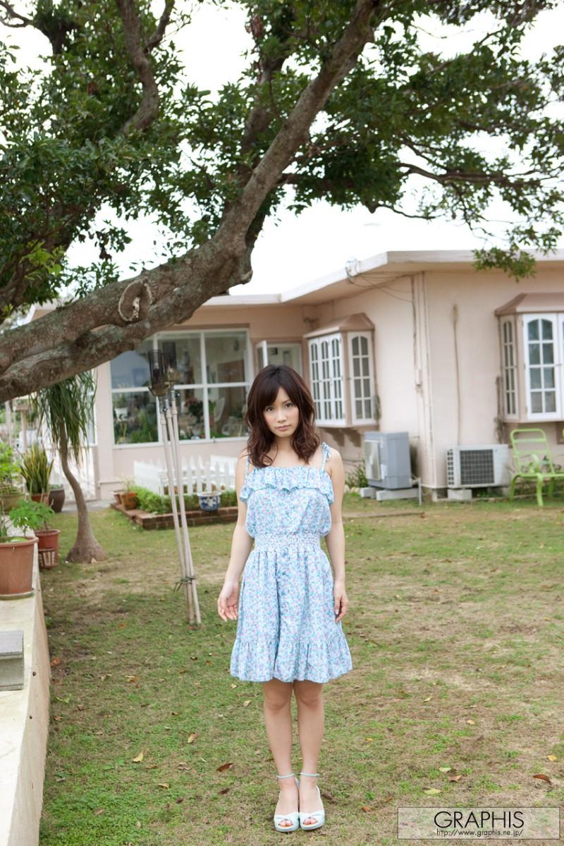minami-kojima-nude-blue-dress-graphis-04