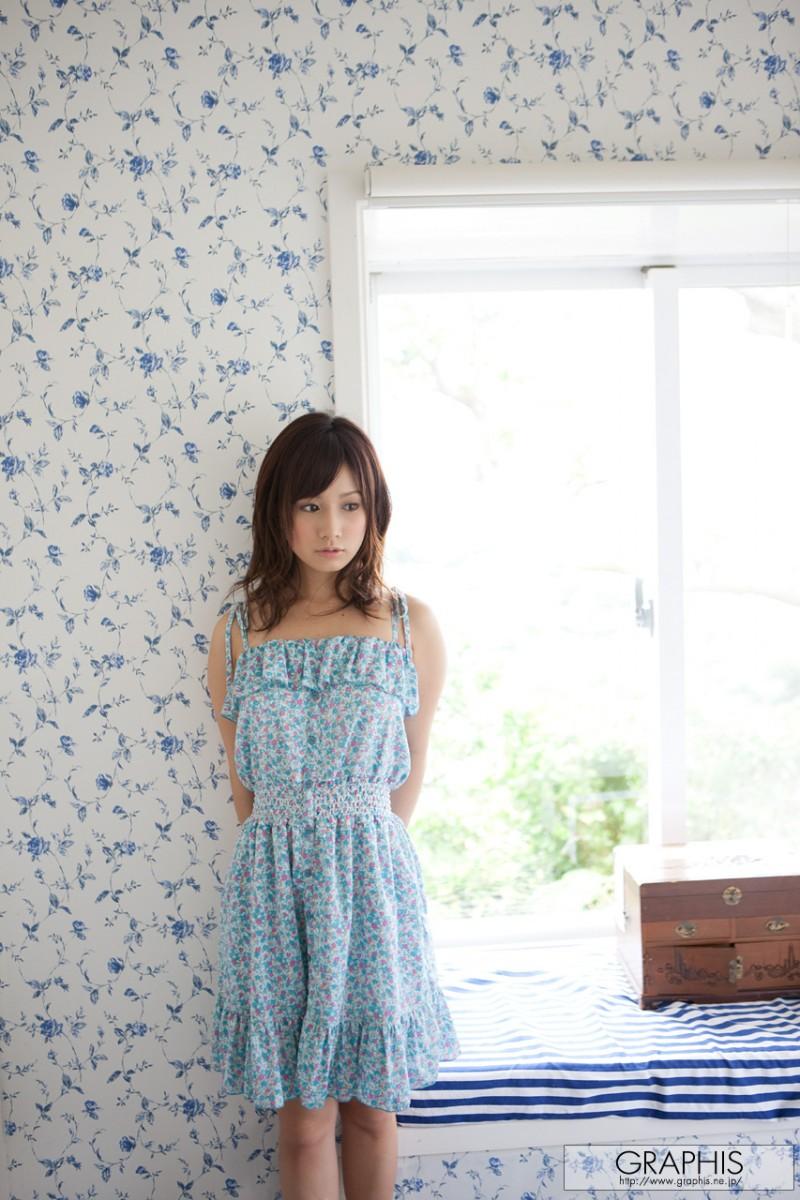 minami-kojima-nude-blue-dress-graphis-06