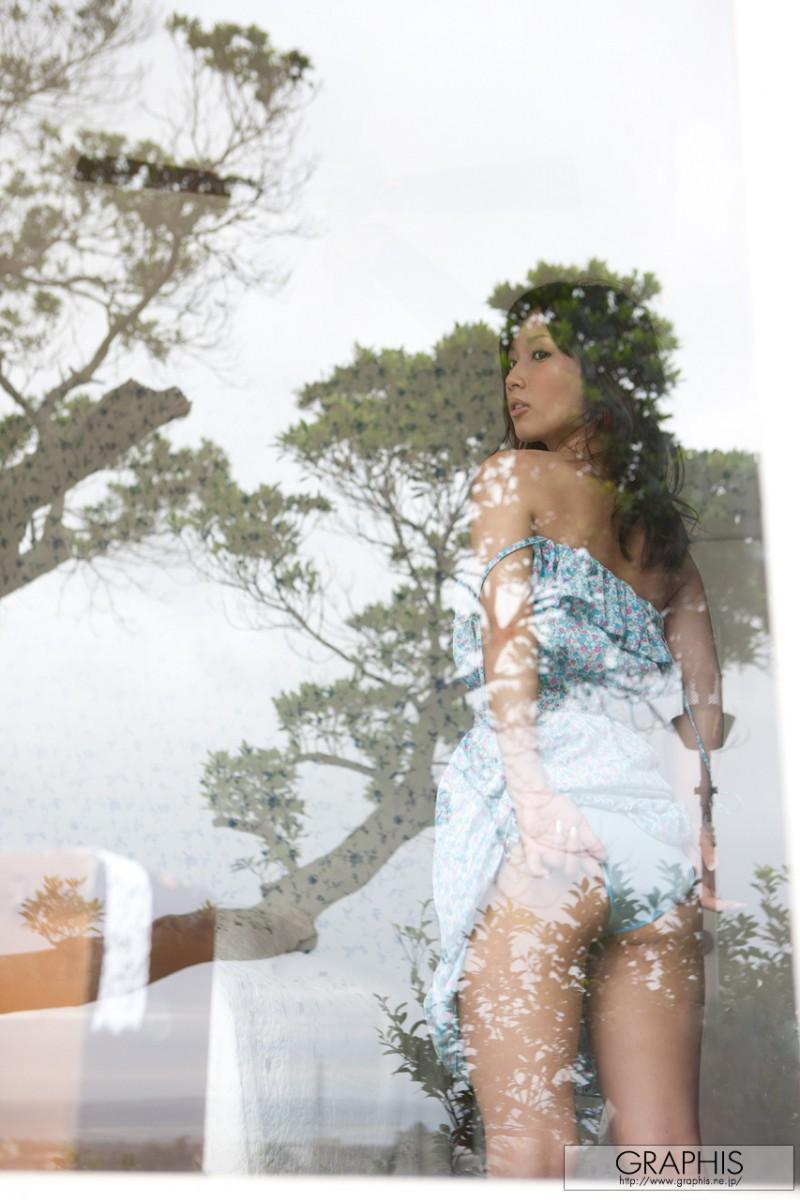 minami-kojima-nude-blue-dress-graphis-12