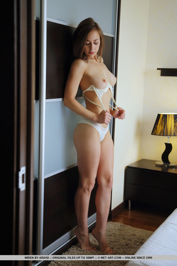 miren-white-lingerie-met-art-04