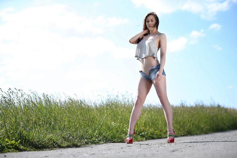 darisha-nude-on-road-watch4beauty-05
