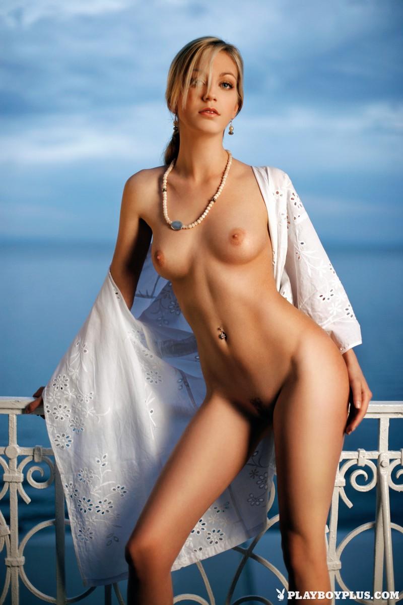 mirna-sola-naked-croatia-playboy-12