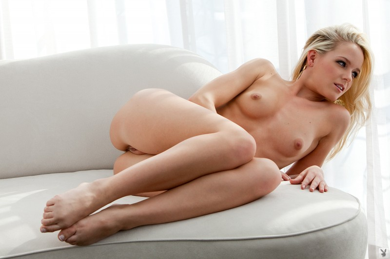 misty-rhodes-nude-playboy-20