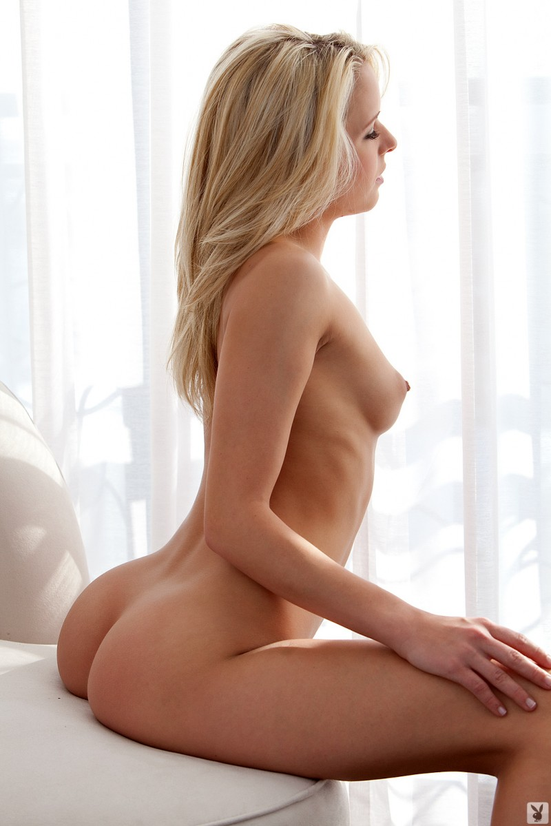misty-rhodes-nude-playboy-22