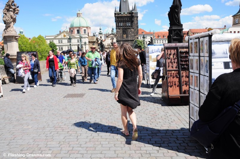 monalee-prague-sightseeing-naked-nipactivity-07