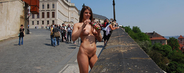 Mona Lee – Sightseeing Prague vol.3