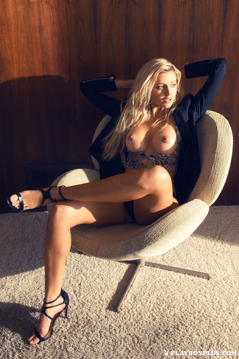 monica-sims-nude-blonde-playboy-02