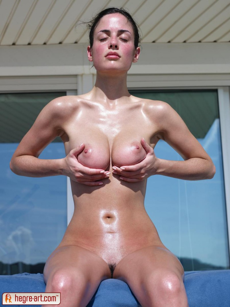 muriel-oiled-hegre-art-07