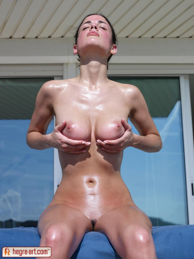 muriel-oiled-hegre-art-08