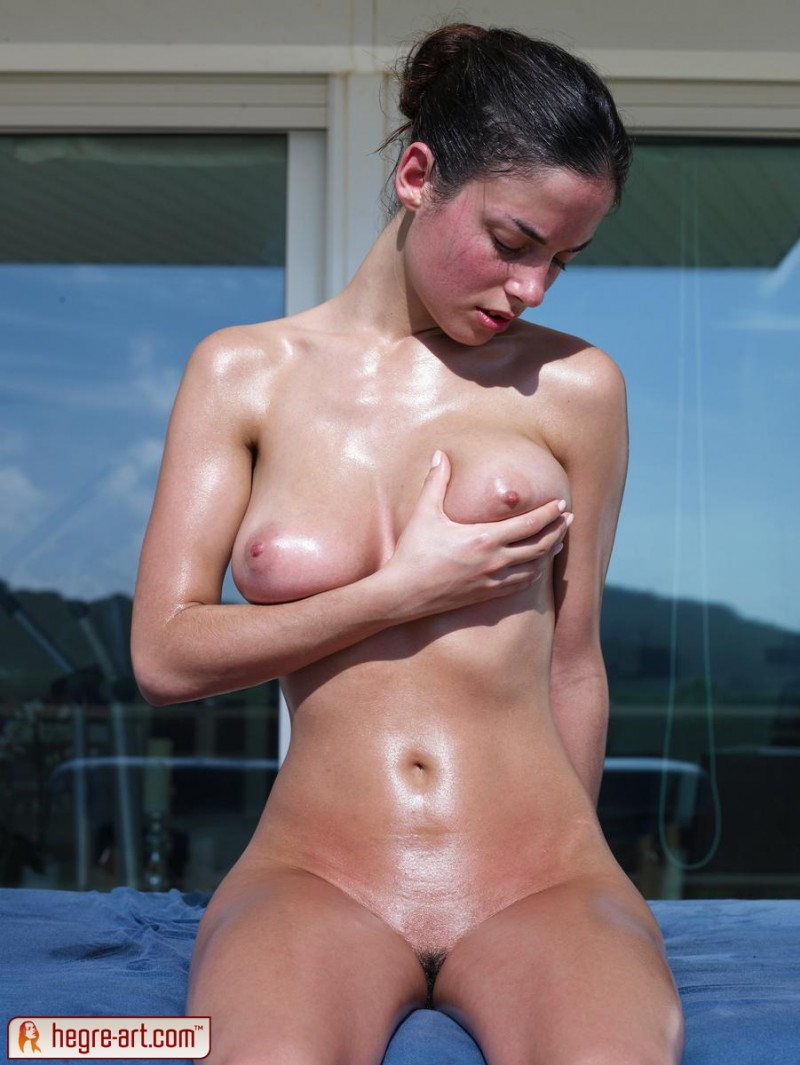 muriel-oiled-hegre-art-11