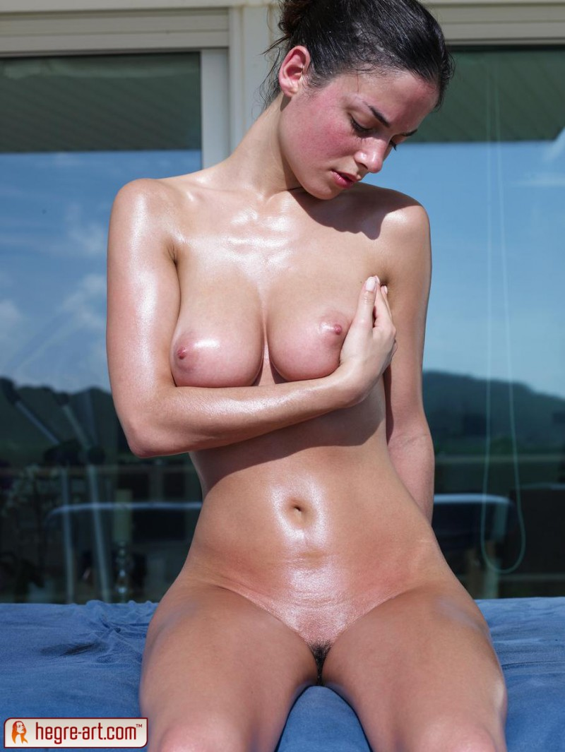muriel-oiled-hegre-art-13
