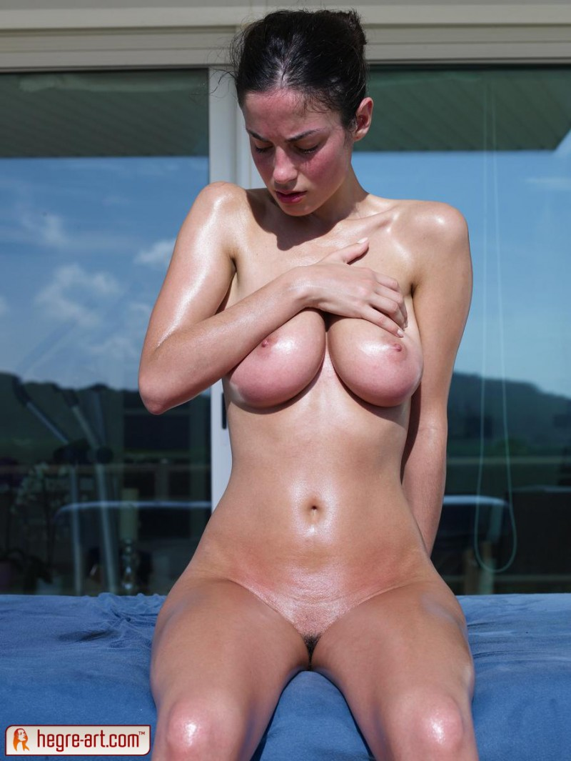 muriel-oiled-hegre-art-14