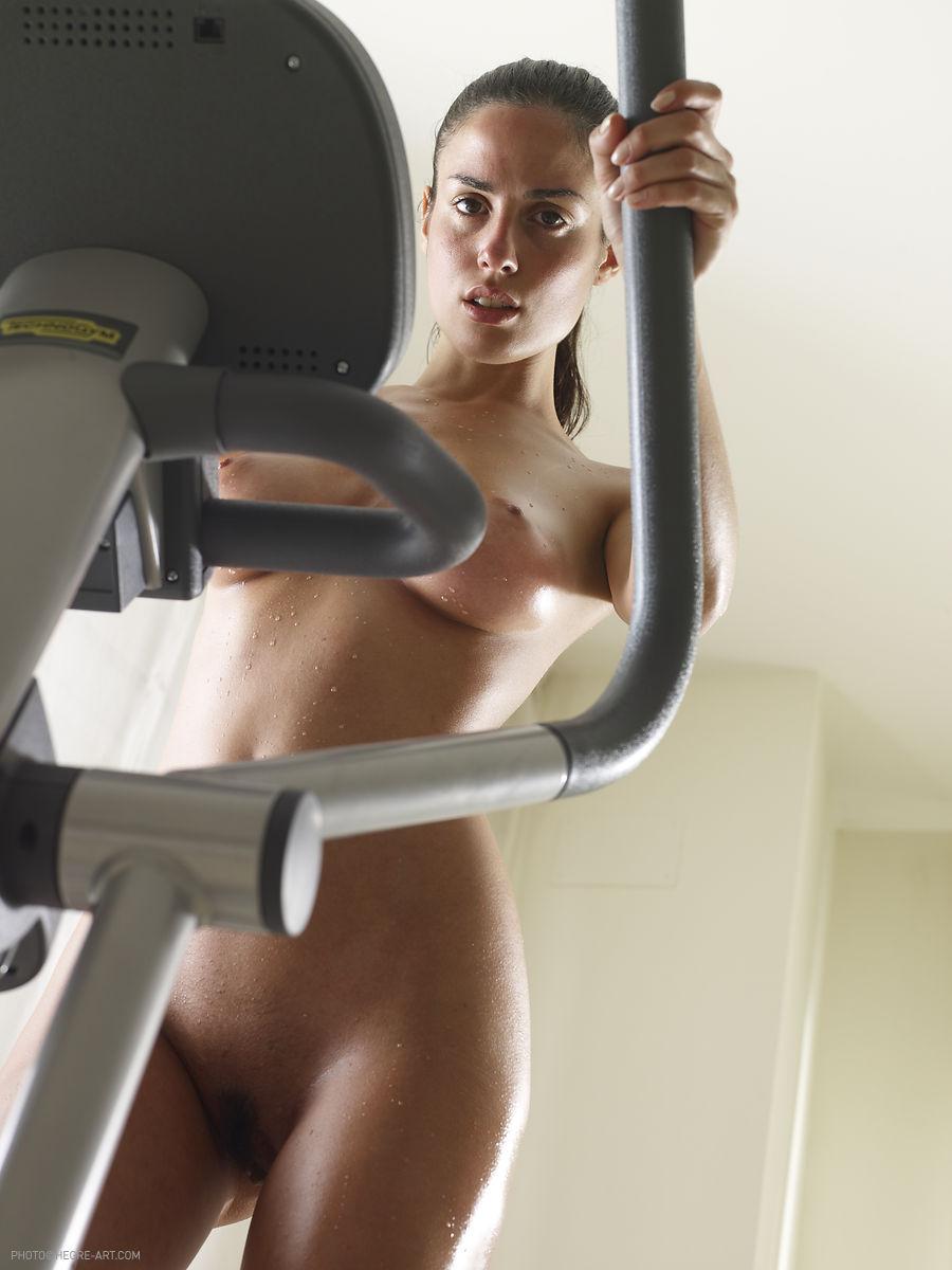 muriel-nude-workout-cross-trainer-hegreart-26
