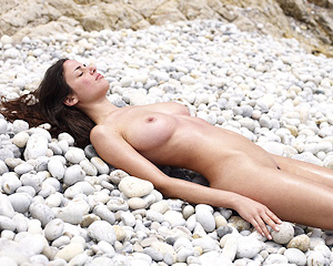 muriel-seaside-beach-nude-hegreart