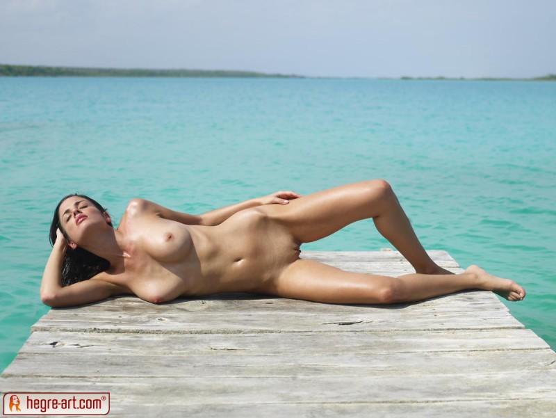 muriel-sea-sunbathing-bikini-hegreart-13
