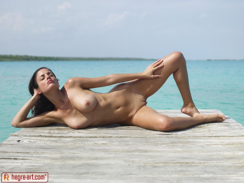 muriel-sea-sunbathing-bikini-hegreart-16
