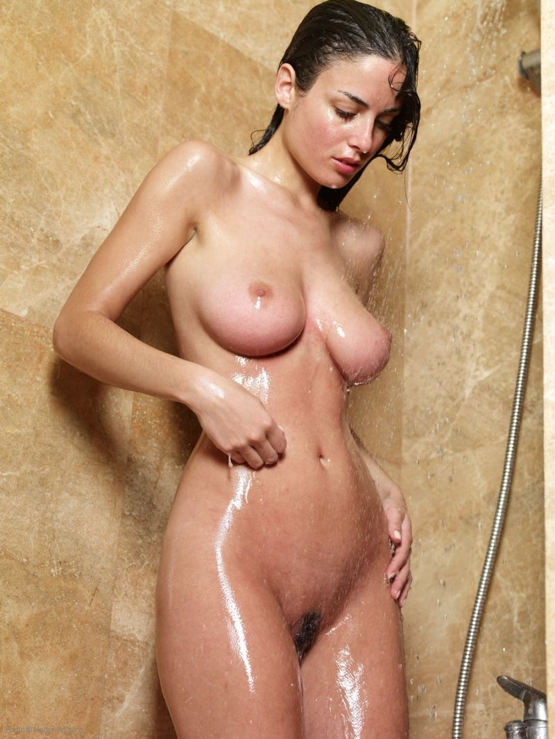 Hot girl nude in the shower