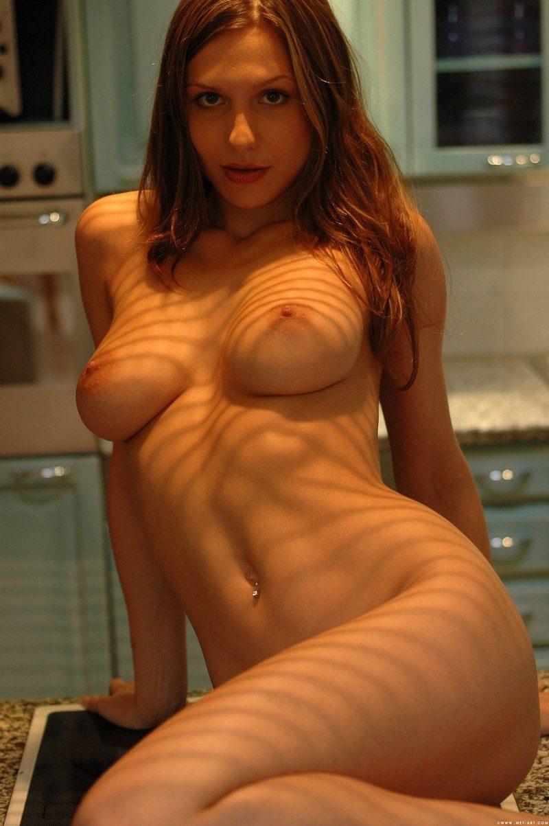 nadine naked on kitchen counter redbust