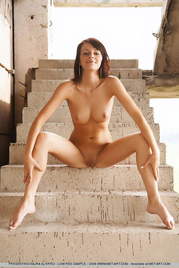 najra-stairs-met-art-16