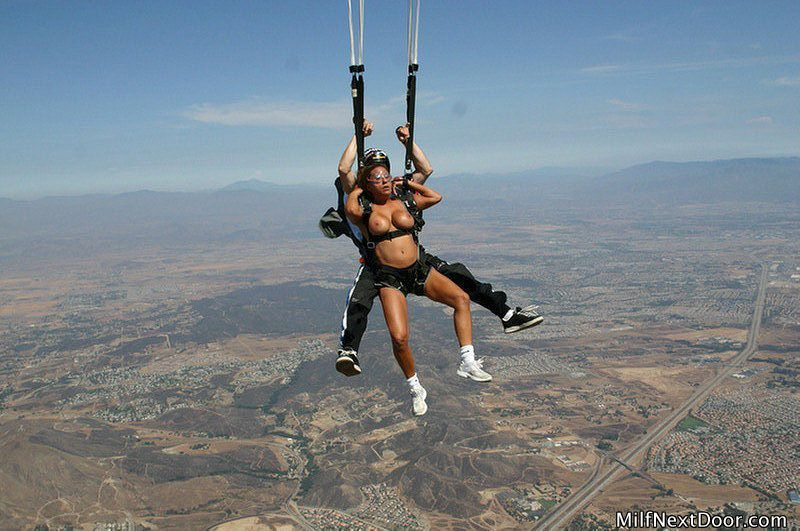 Sorry, this Nude girl sky diving seems me